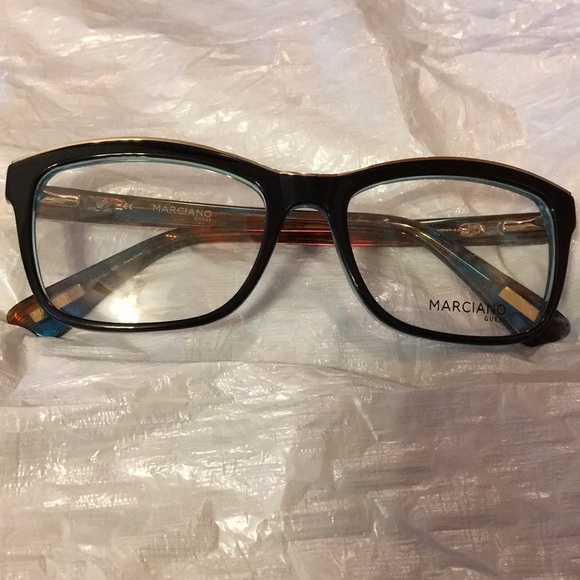 Guess by Marciano Accessories - Guess by Marciano Eyeglass frame NWOT 146bd0615452e